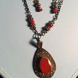 Gorgeous Garnet Necklace Set